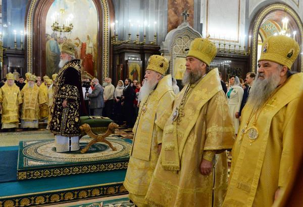 Митрополит Варсонофий сослужил Святейшему Патриарху Кириллу в восьмую годовщину его интронизации
