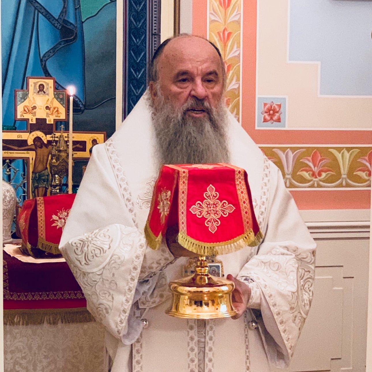 В день своего 65-летия митрополит Варсонофий совершил Божественную литургию в резиденции на Каменном острове