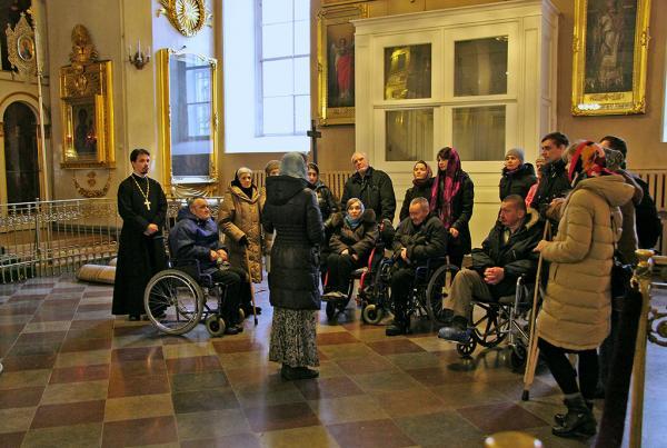 В Спасо-Преображенском соборе прошла экскурсия для бездомных