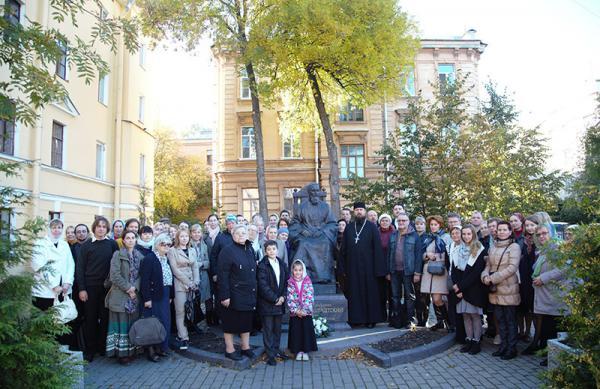 Прихожане Андреевского собора посетили святыни Кронштадта