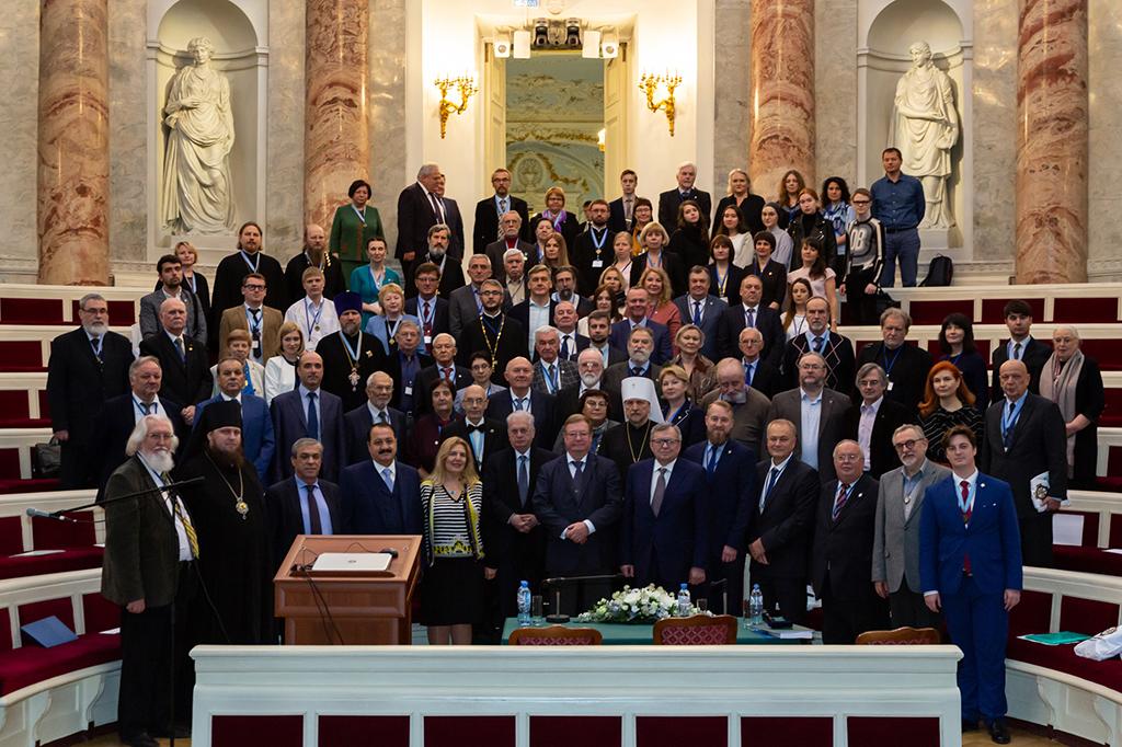 Ректор СПбДА выступил на конференции в Эрмитаже