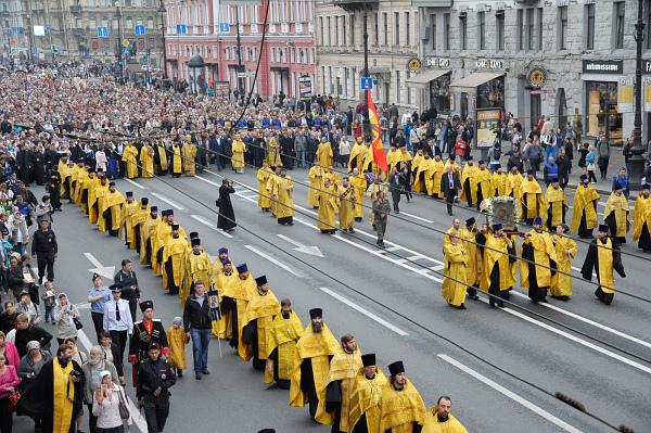 Картинки по запросу фото шествие в честь перенесения мощей Александра Невского