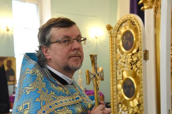 Митрополит Варсонофий поздравил протоиерея Феодора Гуряка с 25-летием священнического служения
